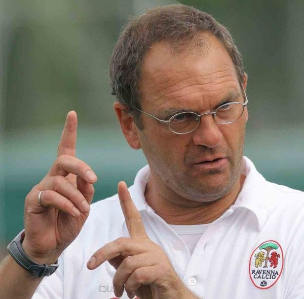 L'allenatore Dino Pagliari