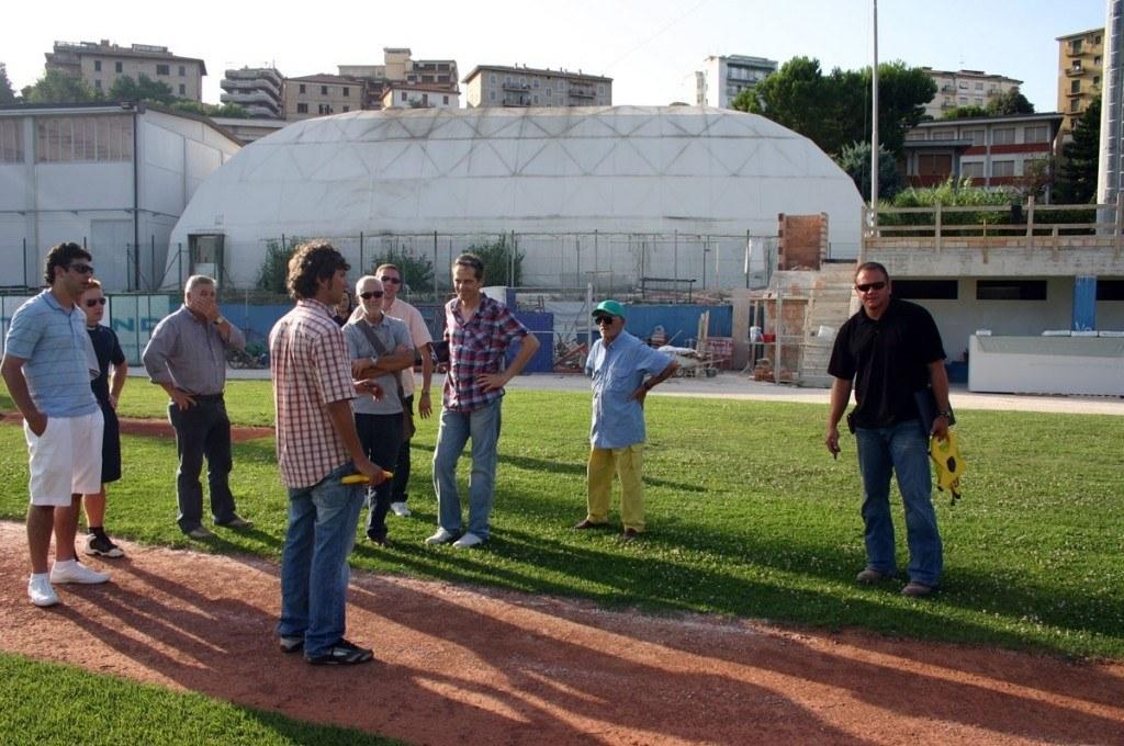 Ispezione campo baseballsmall