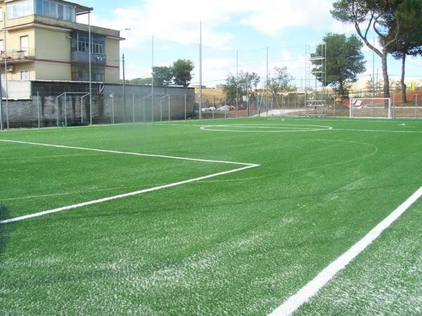 Campo_di_calcio_A8_C_S__Via_Settebagni_Roma