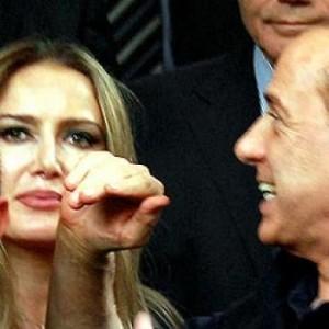 Berlusconi_junto_Patrizia_D_Addario