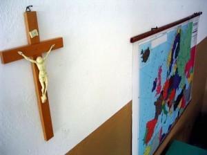 crocifisso-scuole1-300x224