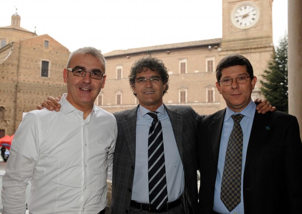 Romano Carancini, Bruno Mandrelli e Romano Mari erano i tre candidati del Pd alle primarie del 2010