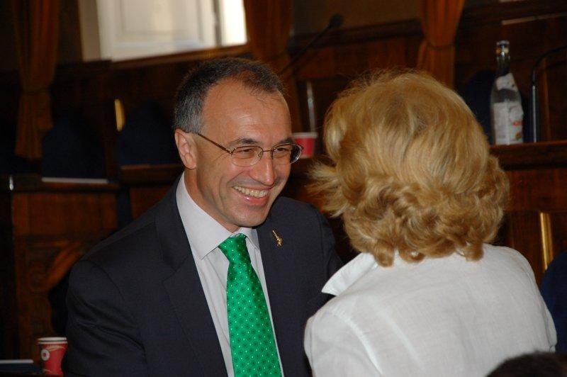 L'ex leghista Enzo Marangoni con il sindaco di Porto Recanati Rosalba Ubaldi