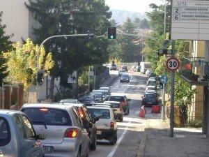 Il traffico nel quartiere Santa Lucia