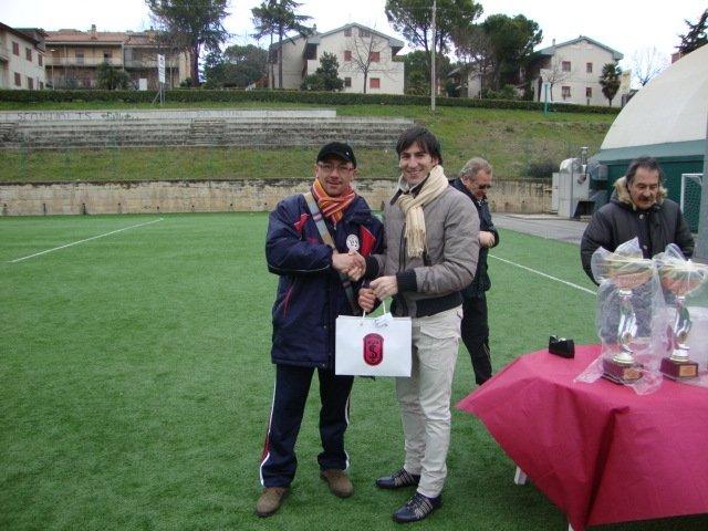 Alberto-Virgili-premia-la-Corridoniense