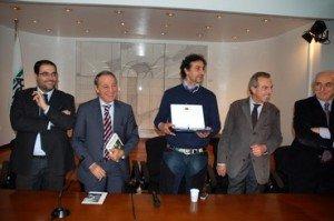 Flavio Falzetti durante una premiazione