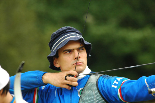 Giuliano-palmioli-bronzo-nel-tiro-con-larco-europei-2009