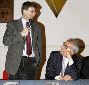 Dario Franceschini durante una visita a Macerata