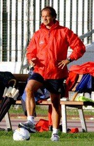 L'allenatore della Maceratese Gilberto Pierantoni