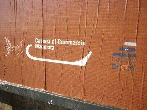 cam-com1-300x225