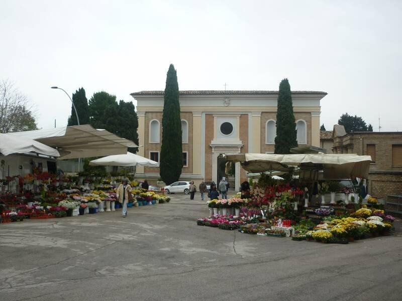 Il  cimitero di Macerata