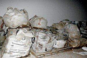 rifiuti-pericolosi-colbuccaro-10-300x200
