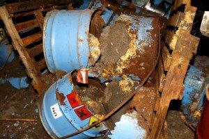 rifiuti-pericolosi-colbuccaro-12-300x200