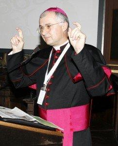 vescovo-125anni-carlino-243x300