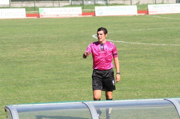 L'arbitro maceratese Gianluca Sacchi