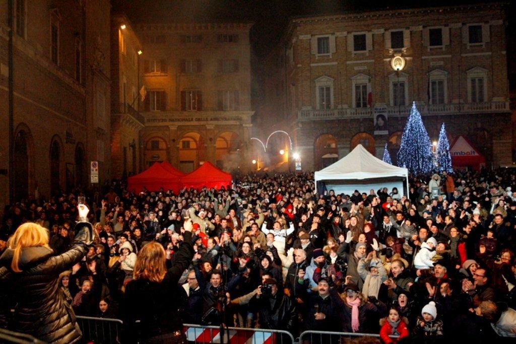 Un Capodanno in piazza della Libertà a Macerata