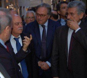 Pettinari e Spacca durante la visita di D'Alema DEL 2011