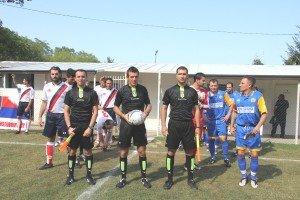 Lingresso-in-campo-da-six-Fiammetta-larbitro-Domenella-Fattori