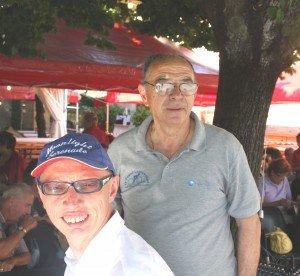 Maurizio-con-alle-spalle-ladorato-pap%C3%A0-Gigetto-300x276