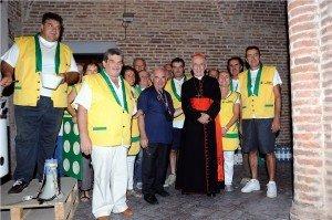Cardinal-Ruini-con-i-polentari-e-don-Branchesi