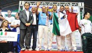 Monastier-e-Mirko-Savoretti-sul-podio-mondiale1-300x175