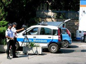 Il nuovo telelaser in dotazione alla polizia municipale di Macerata