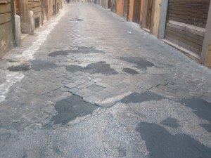 via-Crescimbeni-strada