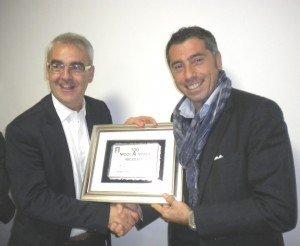 A-Romano-Carancini-premia-Nicoletti-dopo-le-100-partite-in-serie-A-300x246