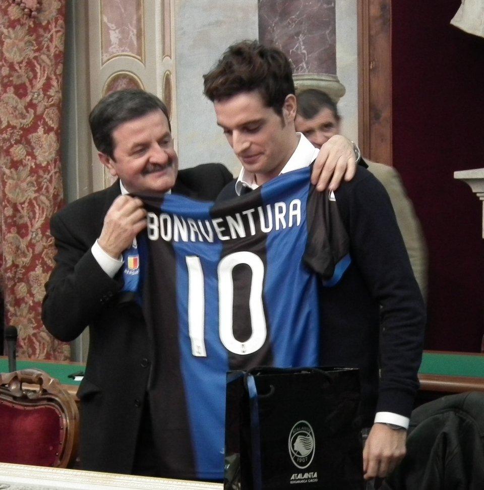 Bonaventura premiato dal sindaco di San Severino Cesare Martini