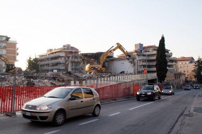 La demolizione del magazzino Ex Fiat