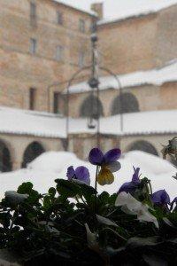 Neve-allAbbadia-di-Fiastra-foto-di-Carlo-Torresi-10-200x300