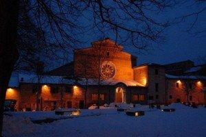Neve-allAbbadia-di-Fiastra-foto-di-Carlo-Torresi-4-300x200