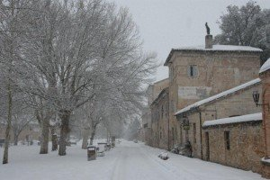 Neve-allAbbadia-di-Fiastra-foto-di-Carlo-Torresi-5-300x200