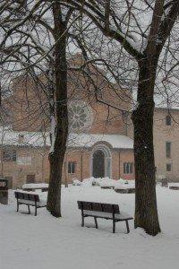Neve-allAbbadia-di-Fiastra-foto-di-Carlo-Torresi-7-200x300