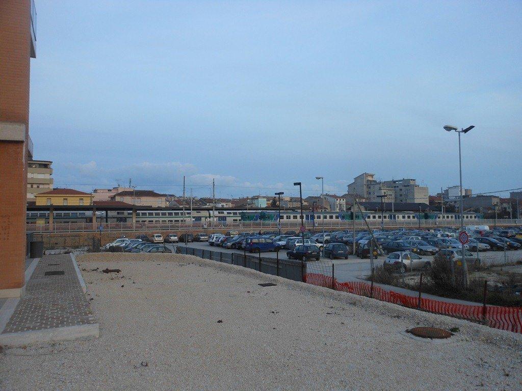 La stazione vista dall'area Ceccotti