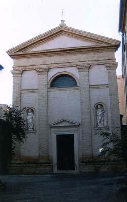 La chiesa di San Giorgio e piazza XXX Aprile