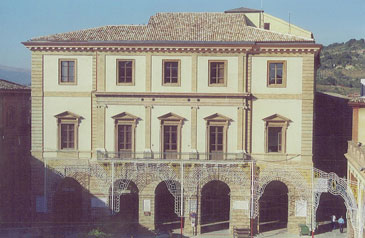 Il municipio di Tolentino