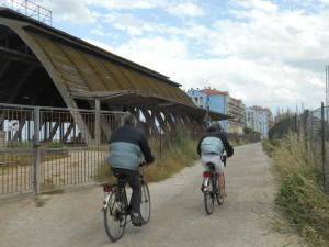 Un tratto della pista ciclabile vicino al Capannone Nervi