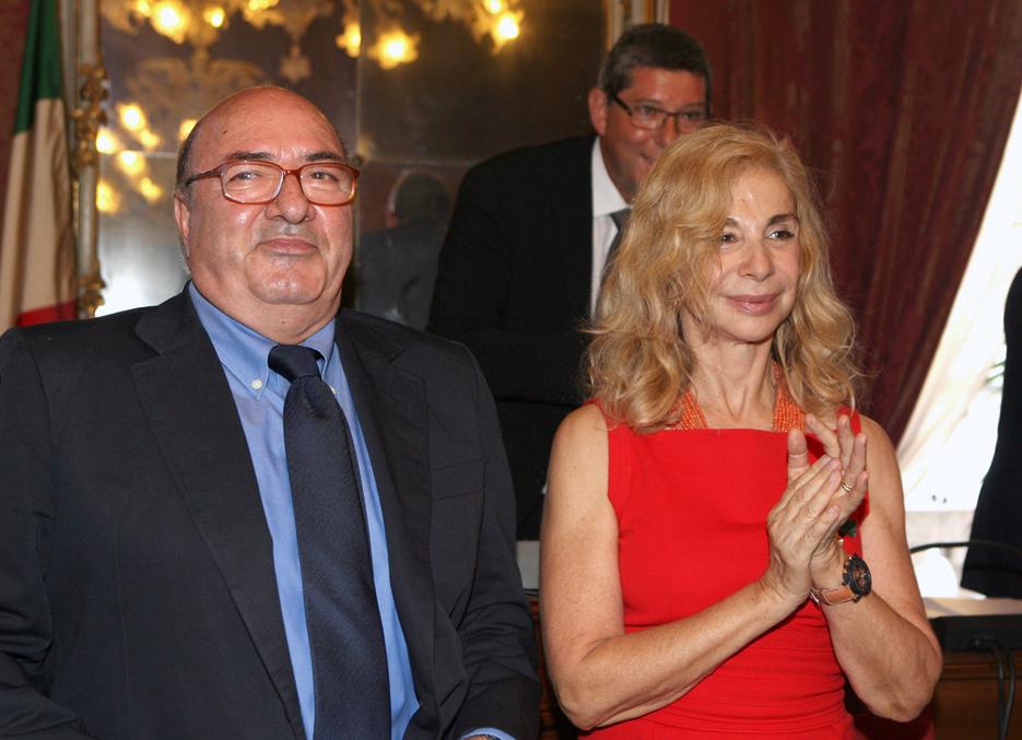Dante Ferretti e la moglie Francesca Lo Schiavo durante la cerimonia di assegnazione della cittadinanza onoraria