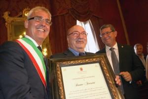 Dante Ferretti ha ricevuto la cittadinanza onoraria nel 2012. Allora ha raccontato che prendeva i soldi dalle tasche del padre per andare al cinema