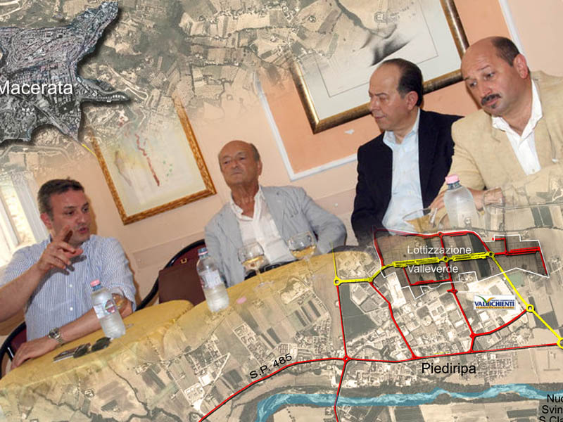Stefano Di Pietro, e Graziano Pambianchi con Monaldo Andreozzi e Narciso Ricotta durante la presentazione del Comitato per il sì allo svincolo di San Claudio (clicca sull'immagine per leggere l'articolo)