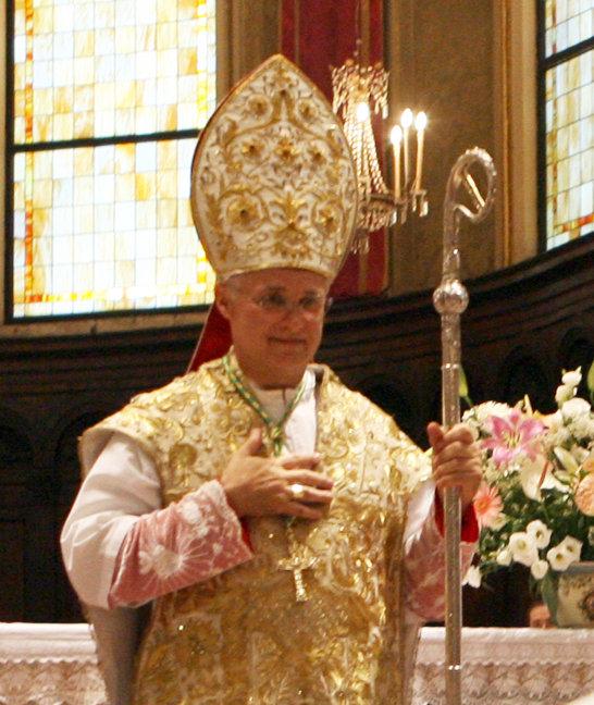 Il vescovo Giuliodori
