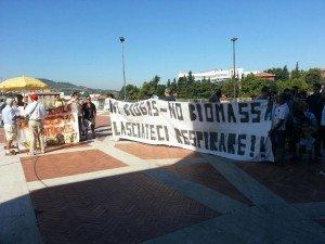 Una delle proteste davanti alla sede della Regione