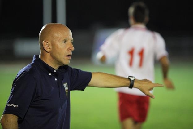 L'allenatore del Corridonia Giovanni Ciarlantini