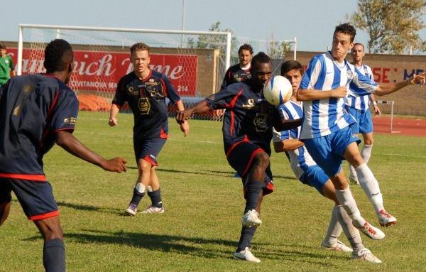 Il centrocampista della Civitanovese Ekani, match winner contro la Maceratese