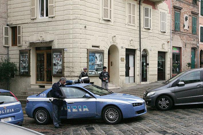 Aggressione Piazza Mazzini (2)
