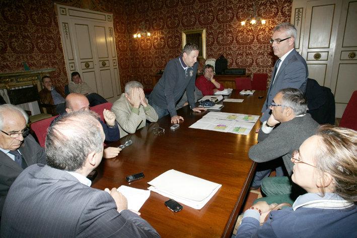 Una riunione della Commissione Ambiente e Territorio
