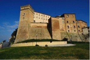 Il castello Brunforte a Loro Piceno