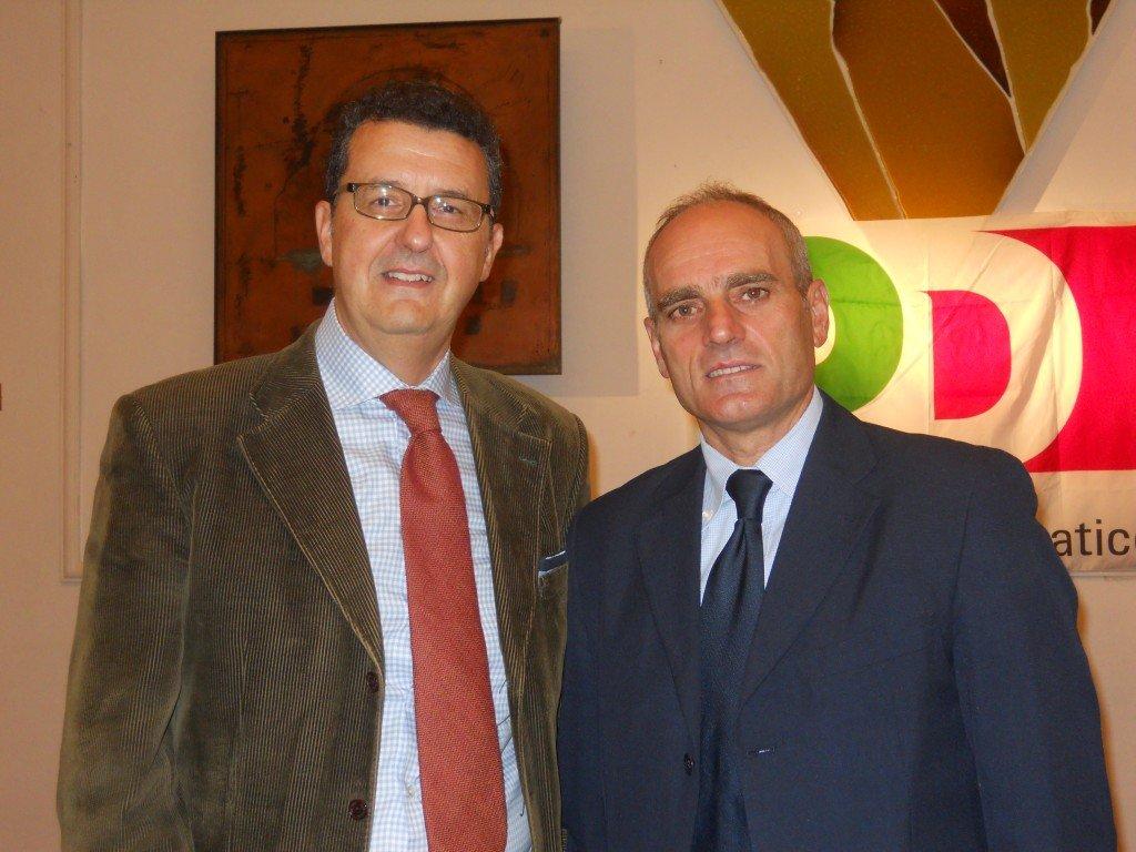 Il segretario Paolo Micozzi con il consigliere comunale Romeo Renis  che ieri ha duramente criticato il capogruppo Andrea Netti