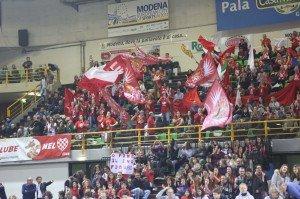 I tifosi della Lube a Modena